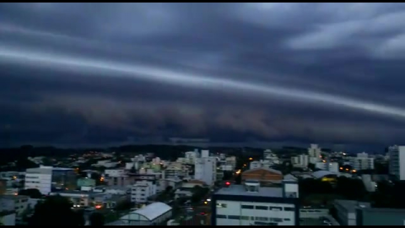 БРАЗИЛИЯ Санта Катарина интенсивное облако шельф снято 08 05 в районе Сан Мигель на западе