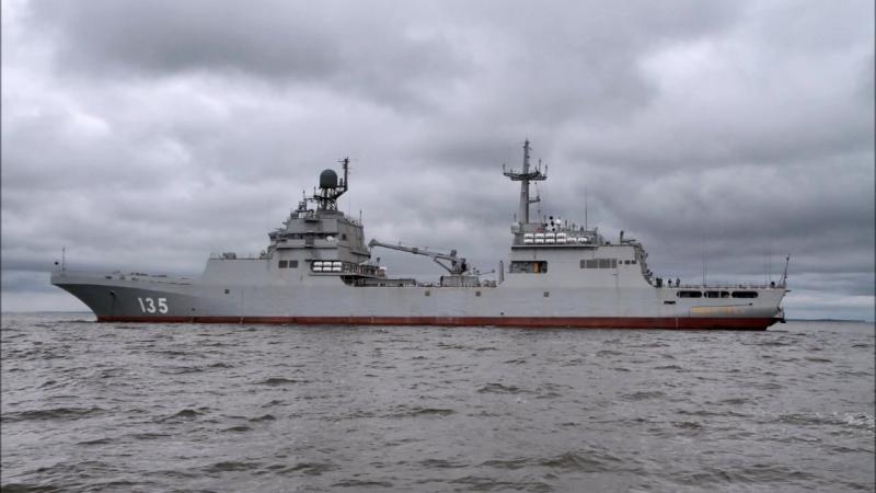 Новый десантный корабль Иван Грен