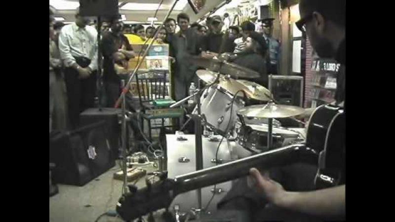 Shawn Lane - Guitar Solo Impro (Landmark Book Store, Kolkata, India - 7th Feb 2003)