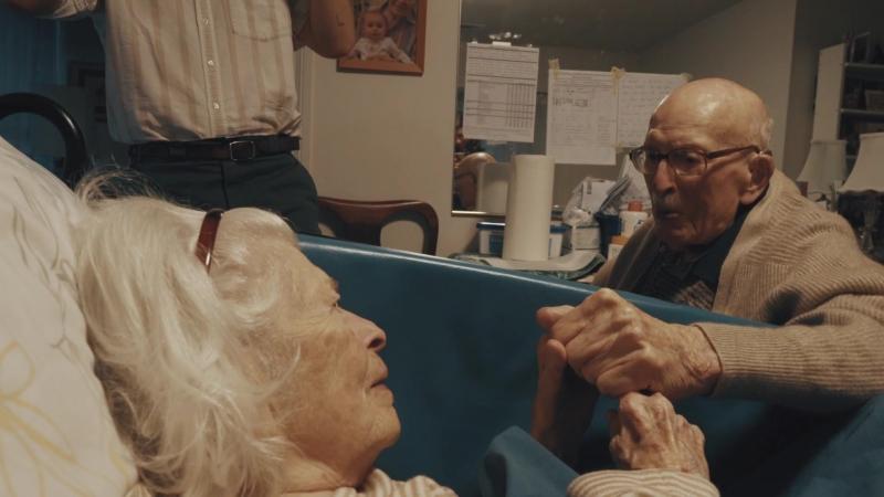 «Я люблю тебя уже 80 лет»: внук снял бабушку и дедушку накануне годовщины их свадьбы