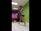 Я даже не могу так танцевать на каблуках, сука я долго угорала