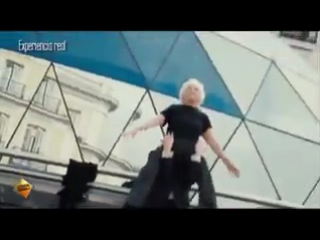 82-летняя Joven Desde - танцы на улице
