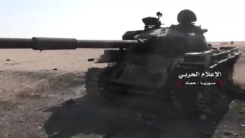 Сожженные транспортные средства ISIS в Восточном Хаме, несколько танков и БМП Syria САА ВКС РФ