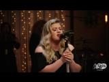 Kelly Clarkson - Love So Soft (Rocking &amp Stocking Live)