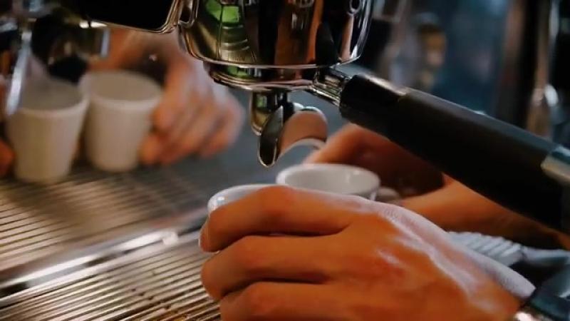 Кофе способен перенести тебя даже в Италию, — стоит только пожелать! Чашечку эспрессо горячие итальянцы готовы выпить и в обед,