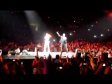 Когда твой концерт перестал быть твоим (Rihanna Eminem - Love the Way You Lie) - 720p