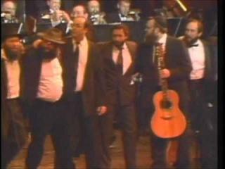 Mordechai Ben David (MBD) Dances with R' Shlomo Carlebach OBM - מרדכי בן דוד