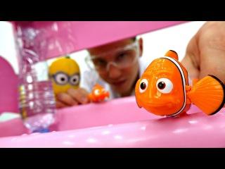 Видео для детей. Миньон Кевин: установка в аквариум 🐠 ВОДА не выливается. Разв ...
