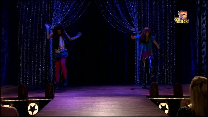 Zendaya, Bella Thorne and Roshon Fegan [Dance Perfomance From