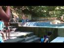 Прыжок в бассейн на холодных радниках