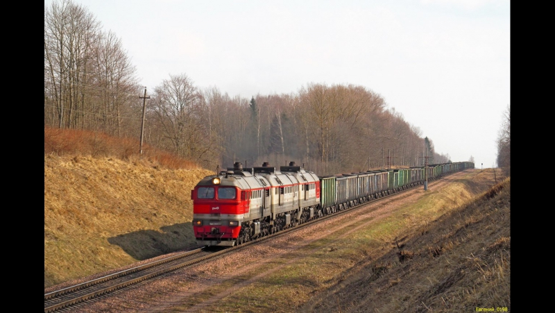 3М62У-0077 с приветливой бригадой на перегоне Крынки-Заболотинка.