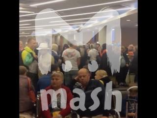 300 пассажиров сутки ждут вылета из-за самолёта не по размеру
