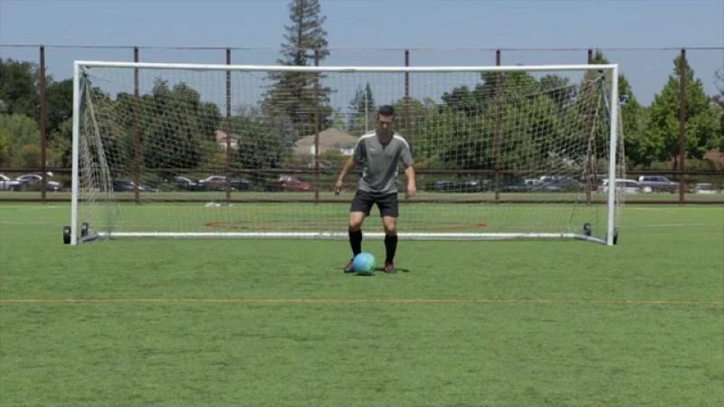 Develop Good Soccer Dribbling Skills Step 2.360p