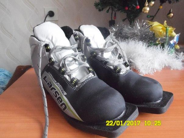 #Спорт@bankakomi продам лыжные ботинки. 800 руб. мало б/у. р-р 37. те