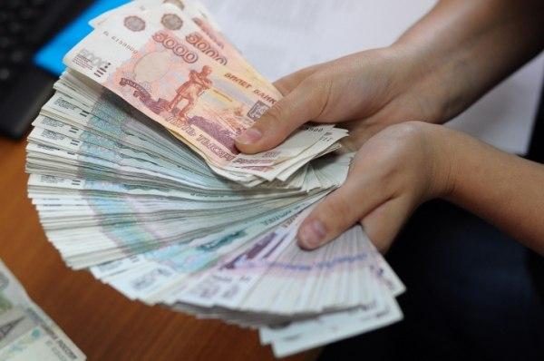 Жительница КЧР заработала на «болезни» родственников около миллиона рублей