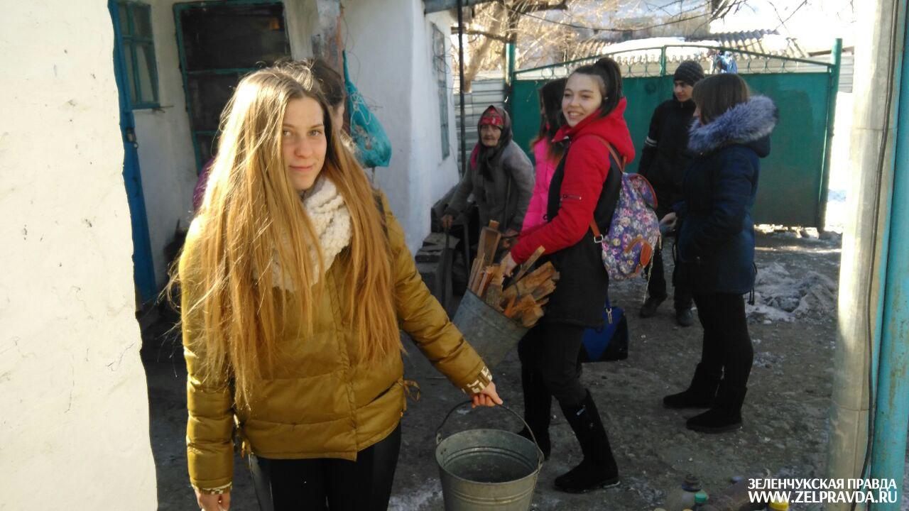 Современные тимуровцы появились в станице Исправной