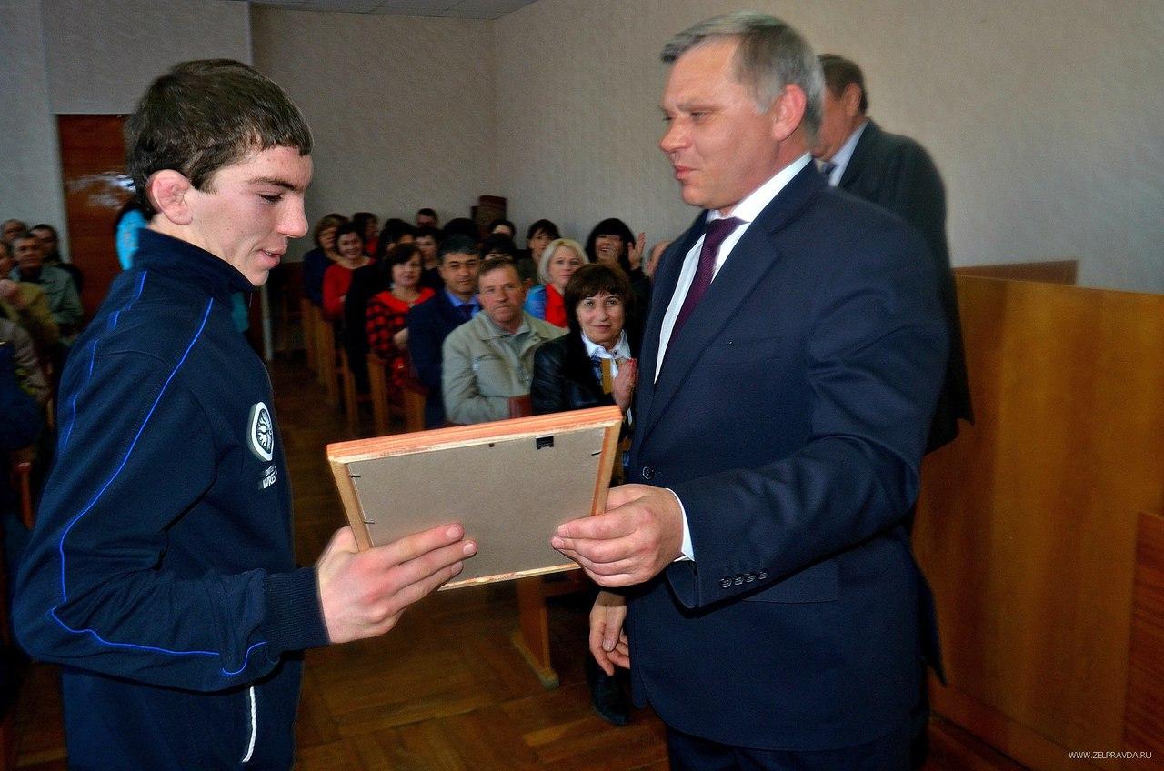 В Зеленчукской чествовали тренера и спортсмена из Сторожевой