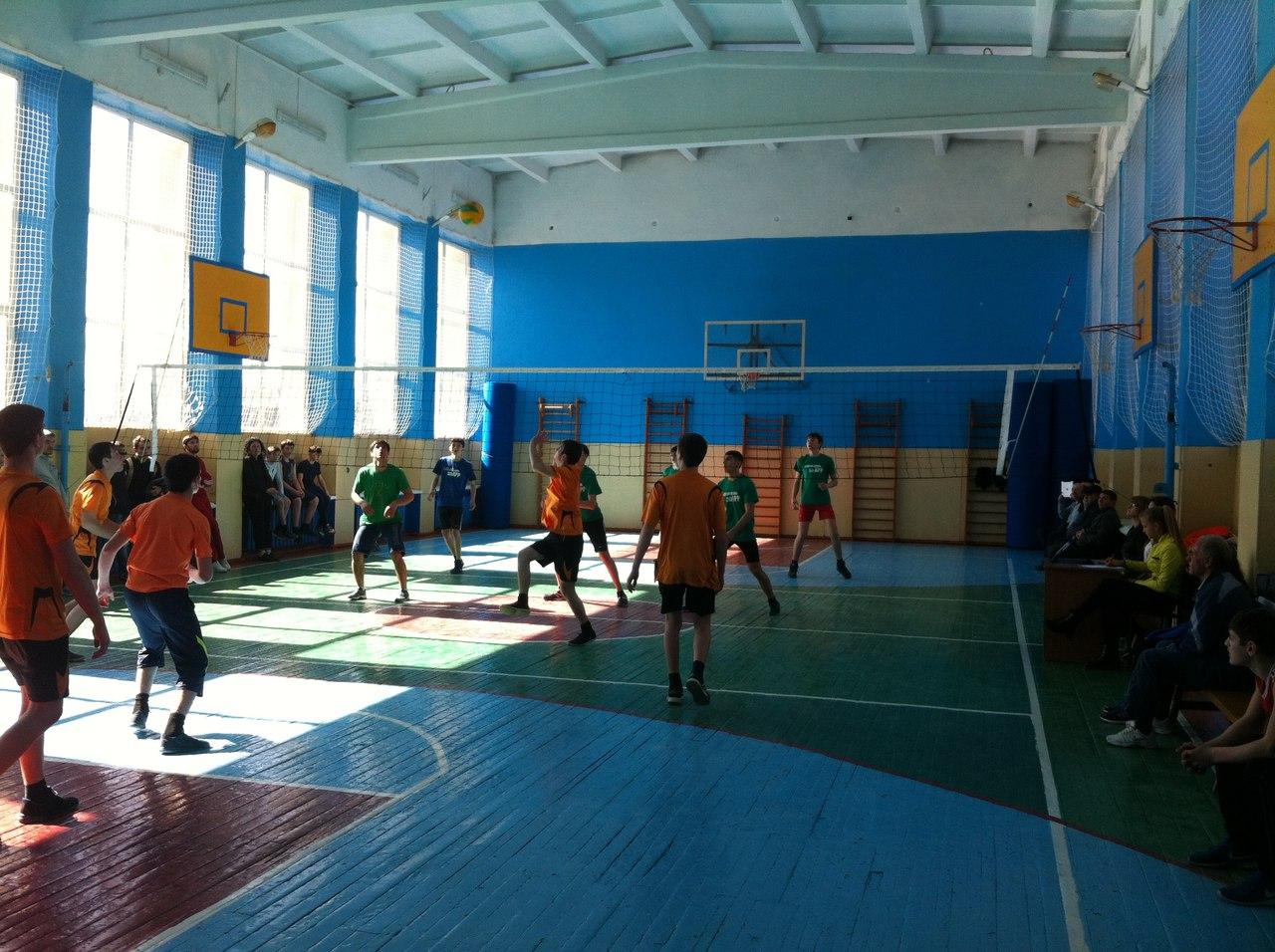 В Зеленчукской прошел полуфинал зональных соревнований по волейболу