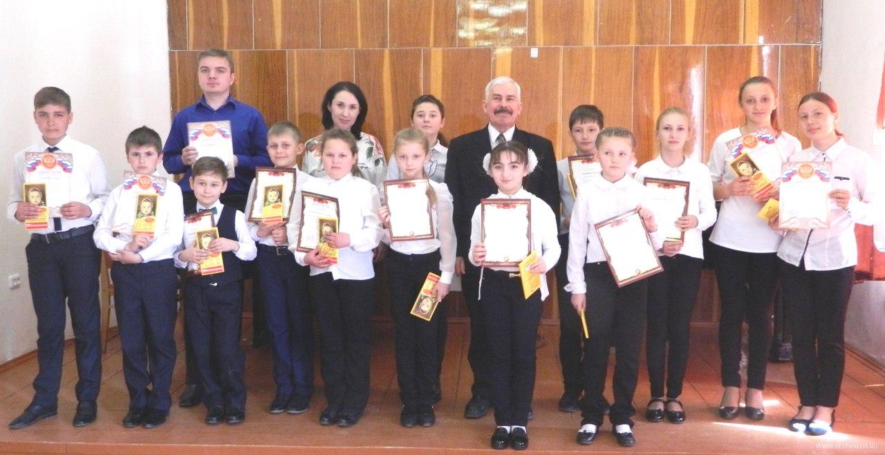 В Зеленчукской ДШИ прошёл конкурс учащихся отделений народных инструментов