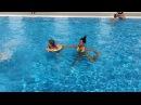 Юля Салибекова: Бассейн, в котором плавает лягушонок и его мама