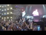 Justin Bieber on Singing Despacito Live [Fan throws a bottle] (Summerburst Festival 2017)
