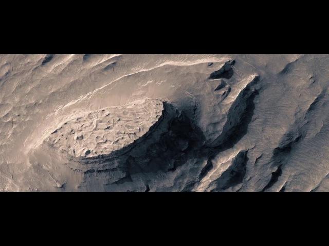 Un increíble vuelo ficticio sobre el Marte real!