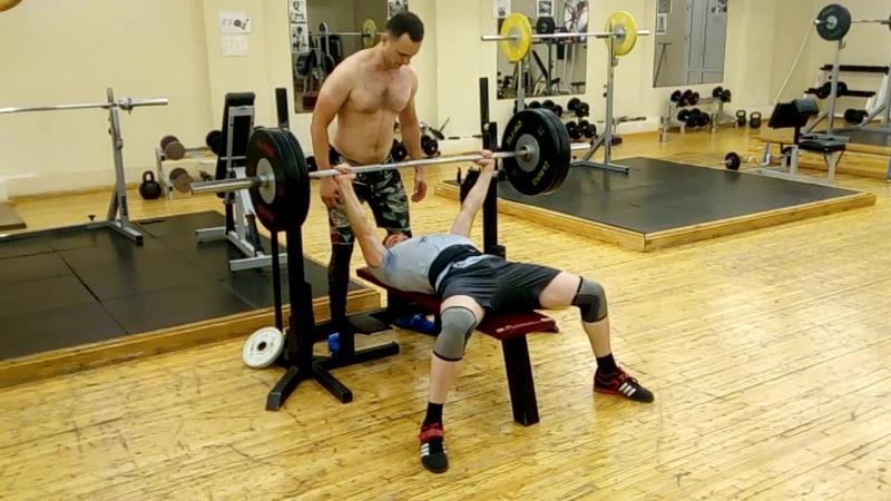 Спорт помогает быть сильным