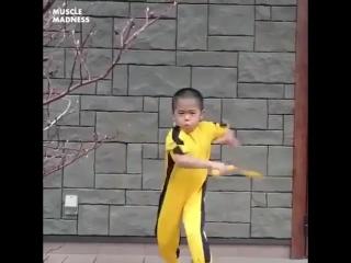Маленький Брюс Ли