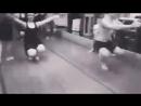 Так обучаются таитянскому танцу! Вы представляете себе физическую подготовку танцующих!