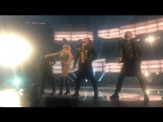 Britney Spears - Intro  Work Bitch (Apple Music Festival 27.09. 2016)