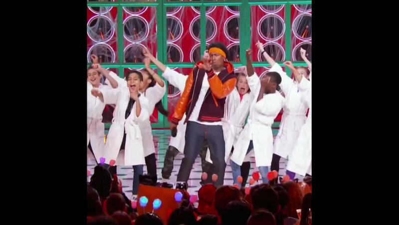 We got that Friday feeling! 🙌 danceislife nickcannon lipsyncbattleshorties