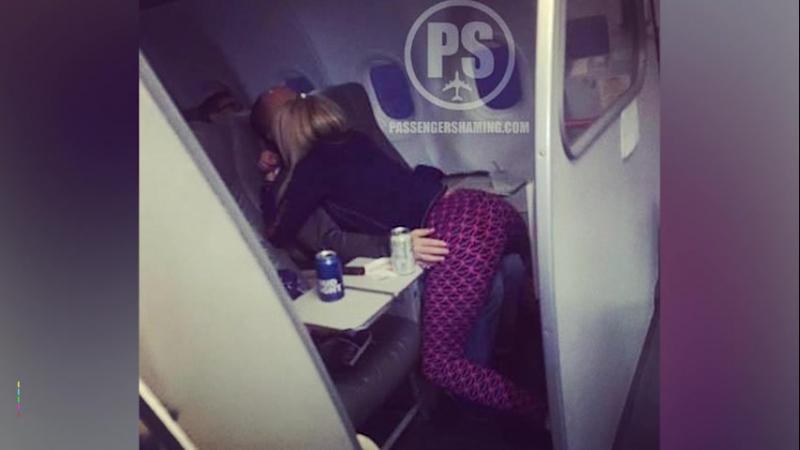 Стюардесса завела блог про неадекватных пассажиров