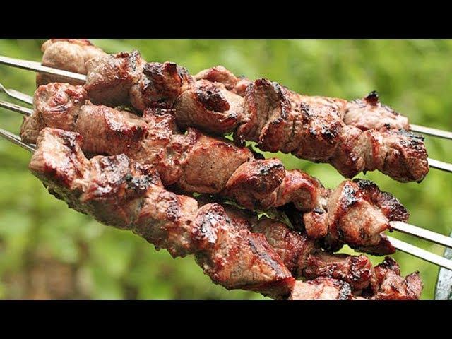 В Кабардино-Балкарии приготовили самый длинный в мире шашлык. 😍 213 метров. 😋