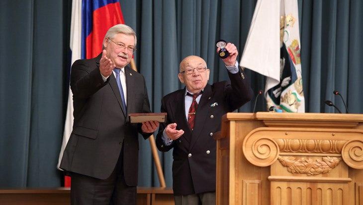 Президент ВОК наградил Жвачкина медалью Ильина за качество управления