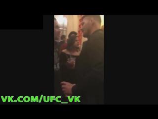 Бухой Майкл Биспинг докапывается до мужика - (РУССКАЯ ОЗВУЧКА) ОСТОРОЖНО, МАТ +18