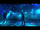 Nine Inch Nails Performs
