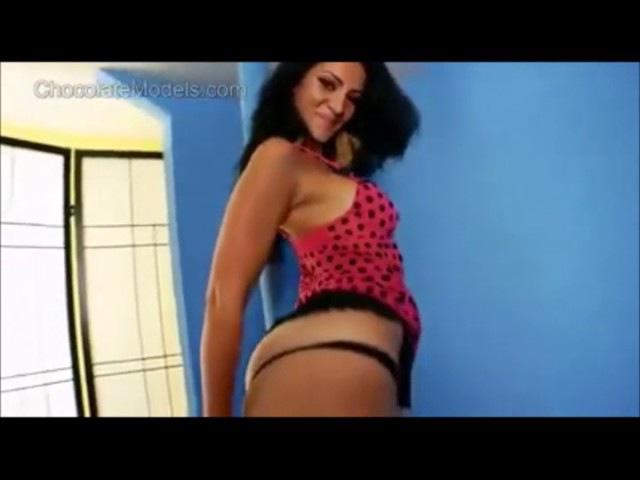 Rosee Divine plus size model hot dance