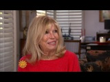 Nancy Sinatra calls duets with Frank