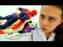 ЧеловекПаук и Джокер склеились Игры для детей Супергерои Веселая больничка