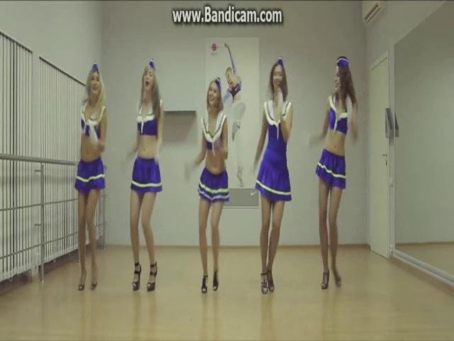 Танец стюардесс. К видео добавлена современная...
