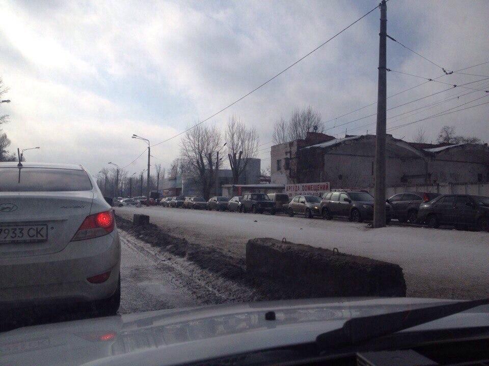 По улице Шевченко возникла пробка на трамвайных путях (ФОТО)
