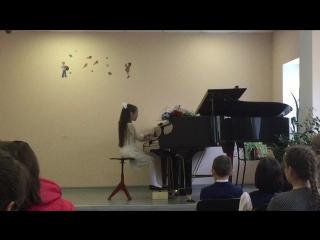 Выступление Ариши в музыкальной школе