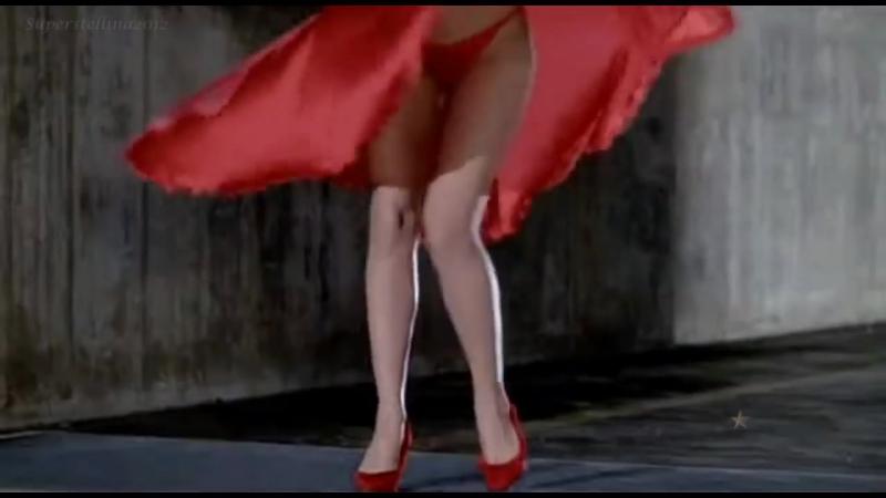 Клип к фильму - женщина в красном