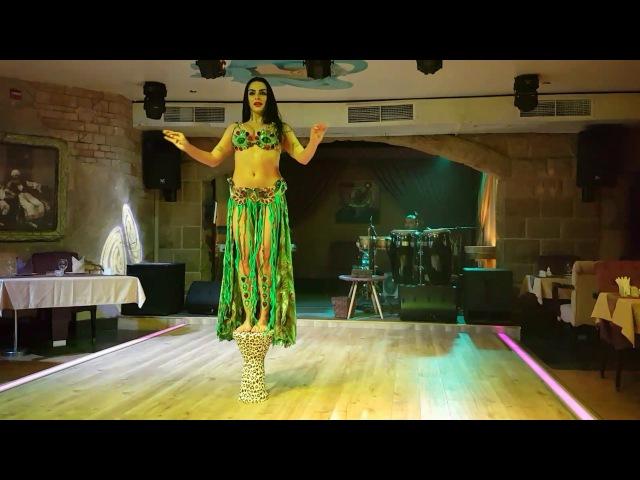 Aziza Belly dance in Dubai mövenpick hotel