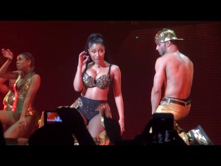 Nicki Minaj - Anaconda (live) PinkPrint Tour