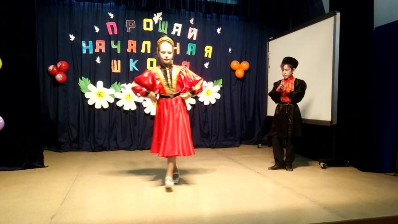 Калмыцкий танец шарка барка! Исп Приходько Варвара и Костин Андрей