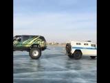 Chevy Suburban VS Тигр