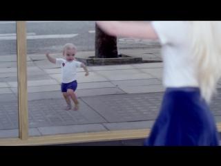 NEW! Новое видео с танцующими детьми от Evian.