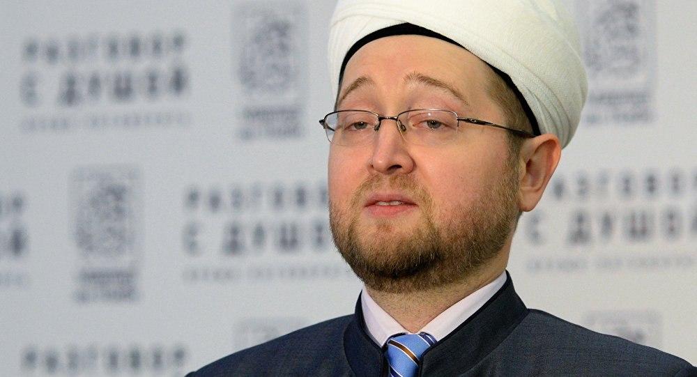 В таджикском сегменте интернета бурно обсуждается заявление муфтия Москвы, поддержавшего ужесточение в Таджикистане правил обряды никох.