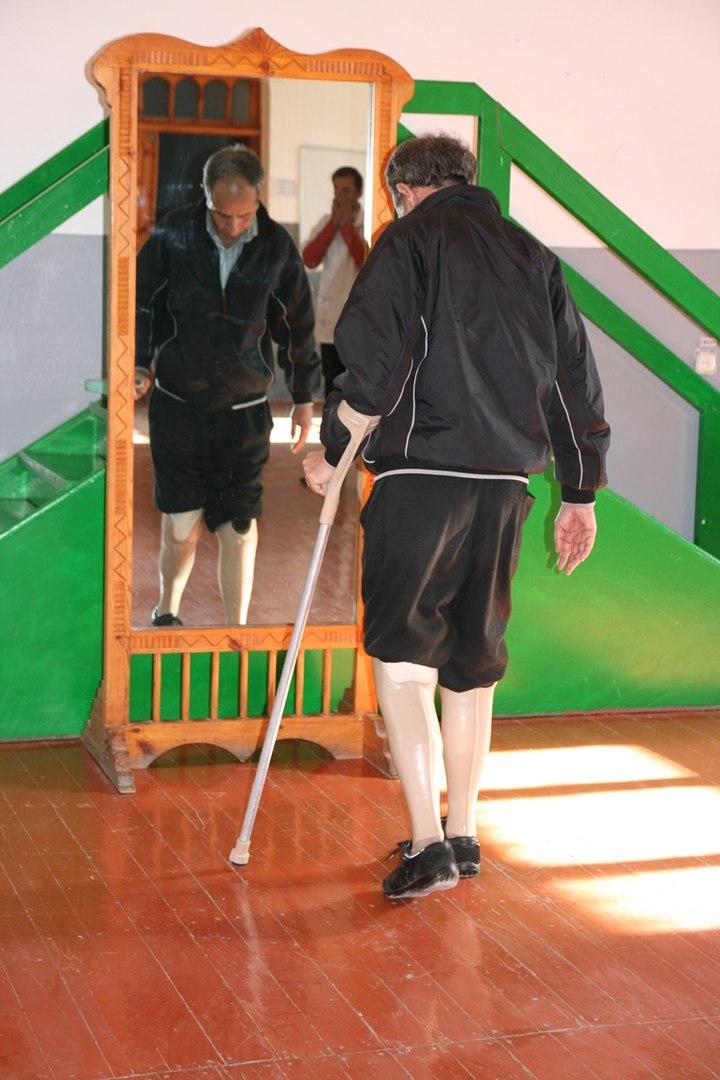В Худжанде после восстановления будет открыт протезно-ортопедический завод